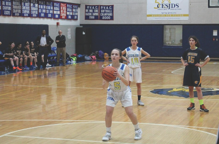 Senior Daphne Lerner reaches scoring milestone