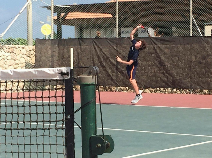 Freshman+Seth+Eisenstein+plays+tennis+at+the+Israeli+Tennis+Center+in+Haifa+on+a+trip+to+Israel+with+his+synagogue.
