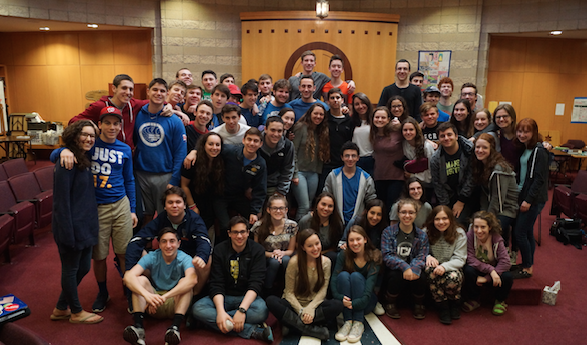 Junior hebrew and Jewish history classes discuss the Arab-Israeli conflict with the Israeli delegation on Monday, April 4.