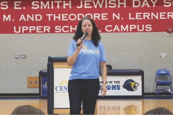 Director of Jewish Life Stephanie Hoffman speaks at Kabbalat Shabbat.