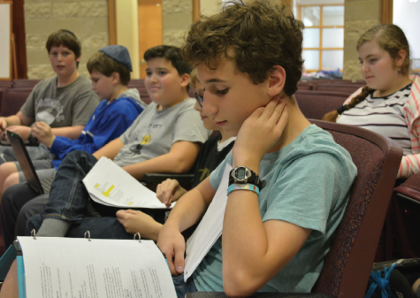 A new Shakesperience: Middle schoolers perform the Bard