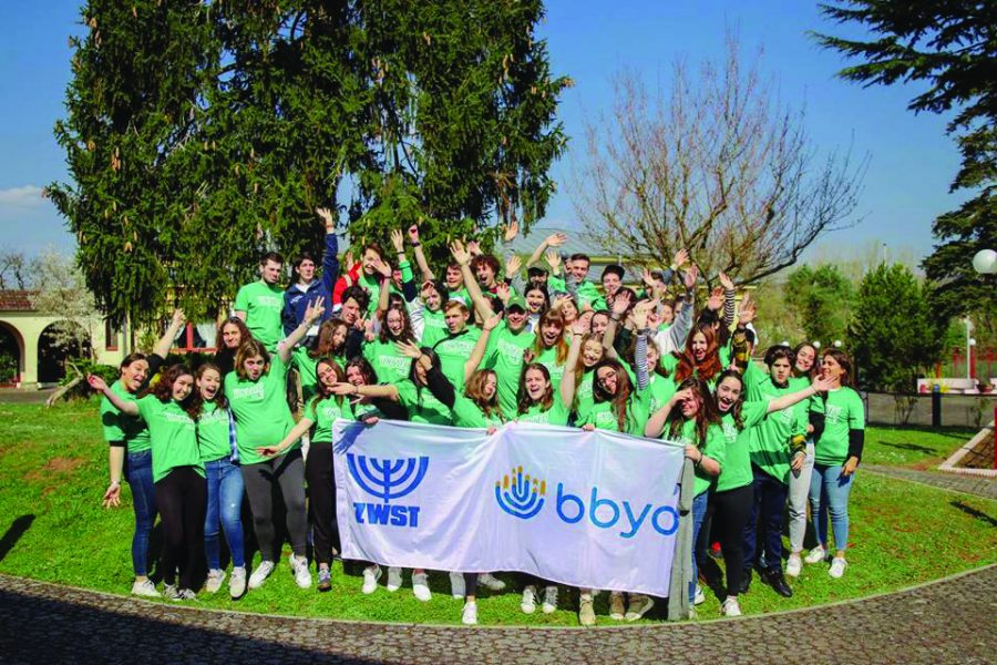 After+a+weekend+of+learning+leadership+skills+and+meeting+teens+from+across+the+world%2C+BBYO+and+ZWST+unify+in+the+same+shirts+for+a+picture.