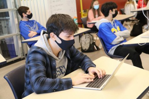 Slideshow: High School students begin hybrid learning