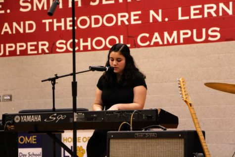 "Freshman Shiri Cohen performs her original song ""The Moment You Left"" at Kabbalat Shabbat."