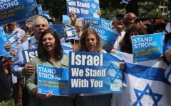 Jews gather in support of Israel.